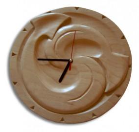 image de Horloge sculptée moderne