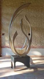 Sculpture moderne en bois et fer
