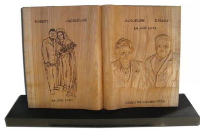 Pour l 39 anniversaires de mariage des noces de palissandre une sculpture sur bois - Idee cadeau noce de bois ...