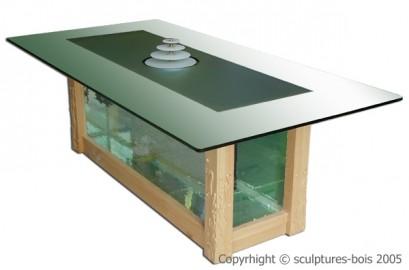 image de Table aquarium en  bois sculptée